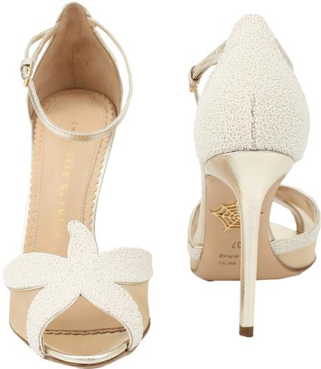 Memilih Sepatu Wanita Import